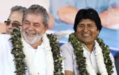 """Eles riem à-toa, enquanto suas nações choram em agonia. Até quando nós, brasileiros, ainda vamos repetir o bordão dos idiotas: """"política não me interessa?"""""""