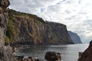 A bela ilha da milionária era, agora, uma ilha desconhecida.