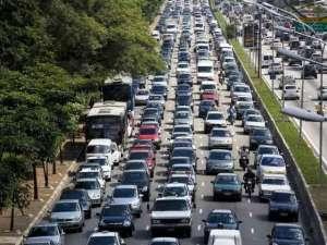 Trânsito - o melhor exemplo de sincronicidade e ressonância numa cidade.