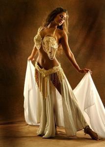 Milena se sentia a própria dançarina dos sete véus.