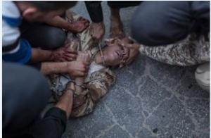 Uma pessoa é decapitada por fanáticos do Islamismo aloprado. E isto em nome de Deus...
