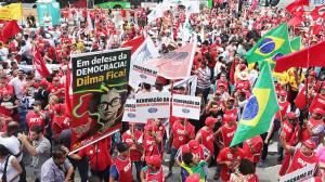 Nada me insultou mais, ao meu patriotismo idiota, que ver esses espetos vermelhos levados por falsos brasileiros em defesa da Mentira e da Corrupção a que chamam de DEMOCRACIA..