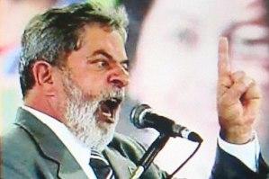 O desespero da Jararaca. Este título da Veja define bem o atual estado de Lula, o Cretino.
