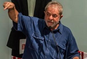 """""""A gentalha está cansando, cumpâeiros! Já não mais mantêm a união, pois não têm um partido pelo qual militar e lutar. Nós temos. Vamos vencer! A Dilma vai continuar a danar o país, mas nós, petralhas, vamos-nos dar bem. Eu sou São Fudêncio, não se esqueçam!"""""""