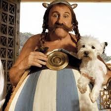 Obelix, o gaulês que representa a garra do povo francês e sua capacidade de lutar.