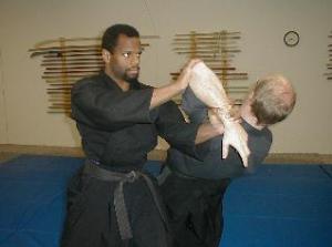 Eu já gostei muito disto. Hoje, não tenho qualquer atração pelo que chamam de Arte Samurai ou Ninja.