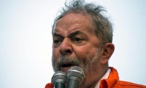 Desespero de quem já foi bajulado até pelo Presidente dos EUA. Que feio, Lula. Será que uma Ideologia Partidária vale tanto? Até tua alma?