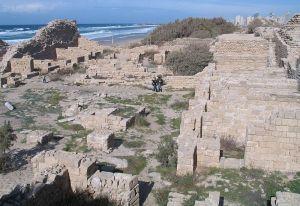 Ruina de Ashdod, às margens do Mar Morto. Aqui, diz a História, viveram os filisteus, famosos na história de de Sansão.