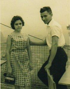 Minha irmã e eu, no Corcovado, em 1960, quando eu estava no Serviço Militar, 1960.