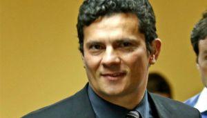"""Juiz Sérgio Moro. Um homem público. Sua imagem não pode ter """"reserva de domínio"""". O máximo que se pode pedir é que quem a use indique de onde a obteve. No caso, www.diariodocentrodomundo.com.br"""
