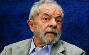 Gente como Lula, perdido no tempo e no espaço, venal e corruptível, nunca mais deve ter nas mãos os destinos de nosso país.