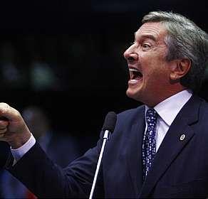 """""""É demais nos dedurar em nosso trabalho mais que meritório. Brasileiros não merecem cadeias dignas. Brasileiros são """"goins"""" e devem curvar-se a nós, a elite eleita desta terra de tapados!"""""""